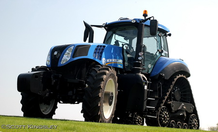 Трактор New Holland Genesis